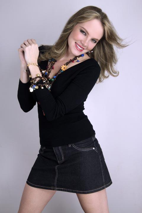 венесуэлка Александра Браун, Мисс Земля 2005. Фото / Alexandra Braun Waldeck (Venezuela), Miss Earth 2005. Photo