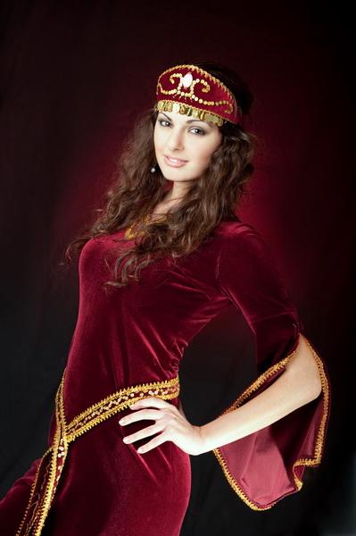 красивая армянка Ася Саакян, Мисс САМУ 2010. Фото