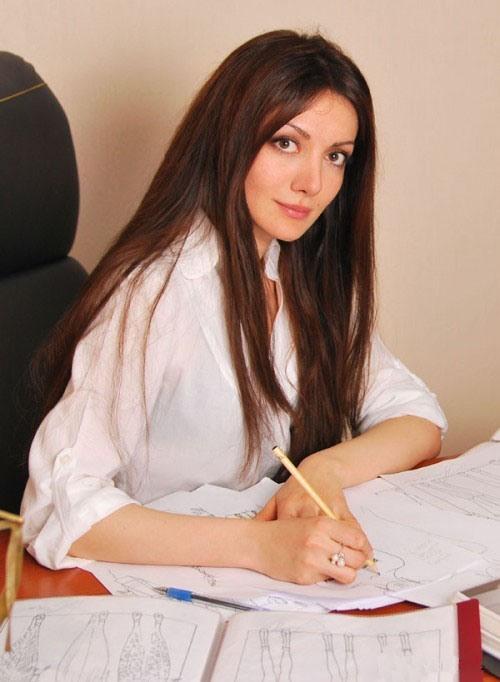 красивая армянка Наринэ Арушанян. Фото