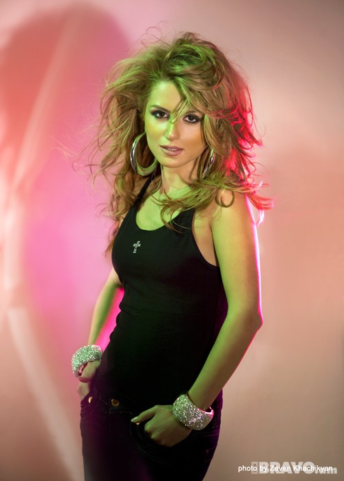 Эмма Беджанян (Эмми) - армянская певица. Фото