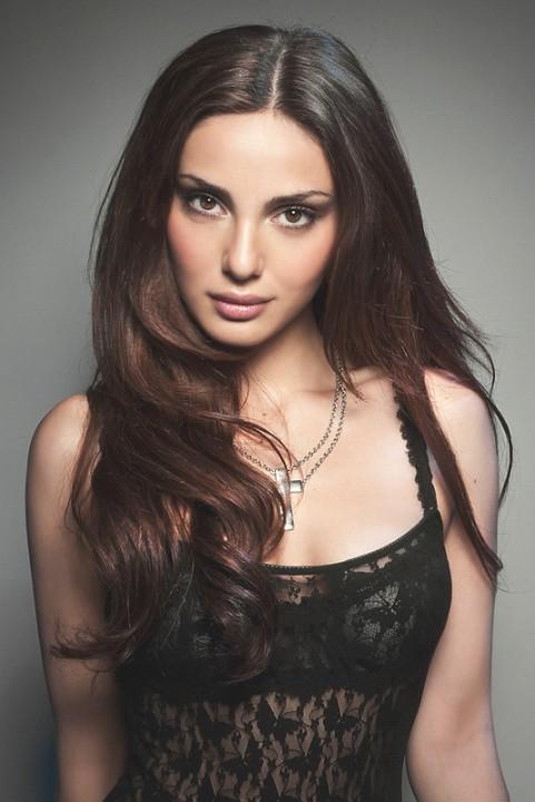 самая красивая армянка Диана Шнорхокян. Фото / Diane Sands. Photo