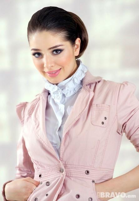 Лана Хачатрян - армянская певица. Фото