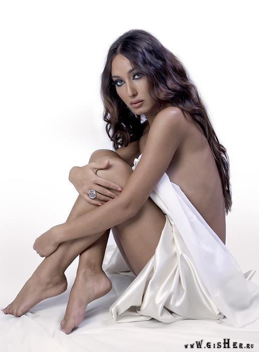 Назени Оганесян, армянская телеведущая и актриса. Фото