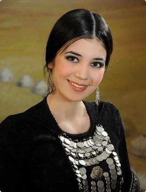 башкирская красавица Гульназ Галеева, победительница Хылыукай-2009. Фото