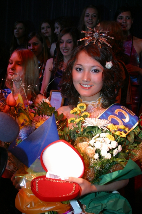 самая красивая башкирка Зульфия Султангулова, Мисс Башкортостан-2003, приз зрительских симпатий на Мисс Россия. Фото