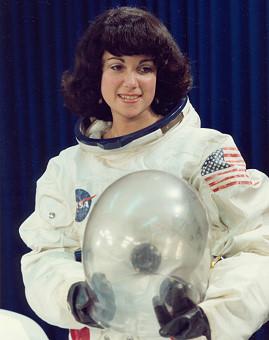 четвертая женщина-космонавтка (астронавтка) Джудит Резник. Фото