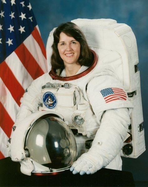 американская женщина-космонавт (астронавт) Кэтрин Райан Корделл Торнтон. Фото