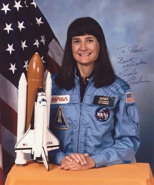 американская женщина-космонавт (астронавт) Линда Максин Годвин. Фото