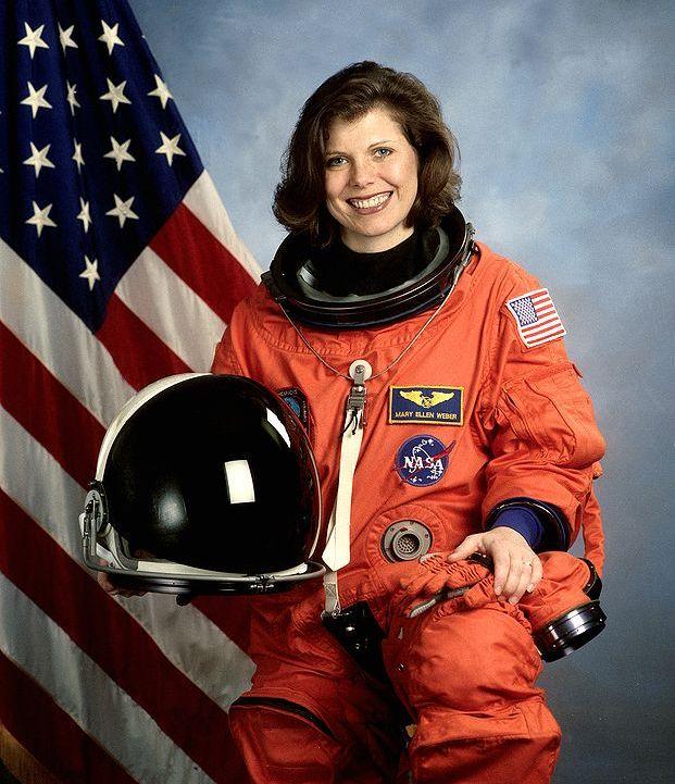 американская женщина-космонавт / астронавт Мэри Эллен Уэбер. Фото
