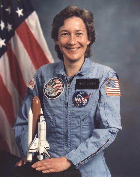 американская женщина-космонавт (астронавт) Мэри Луиз Клив. Фото