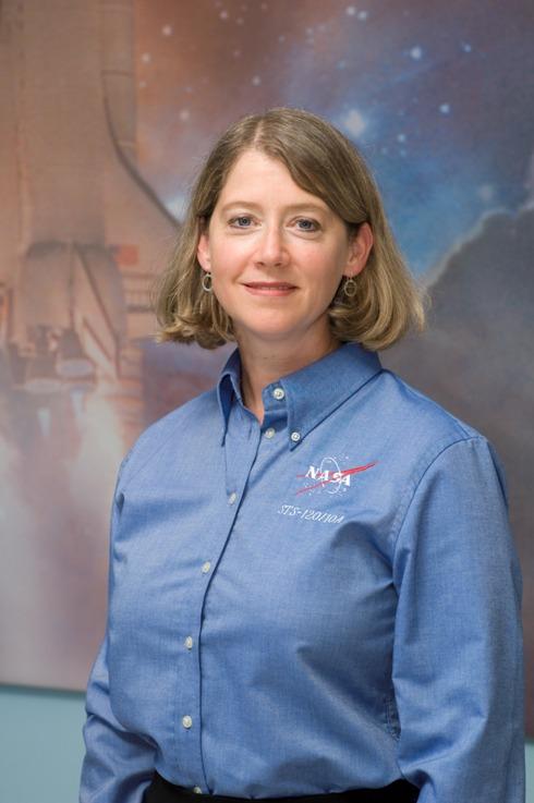 женщина-командир космического корабля Памела Энн Мелрой. Фото