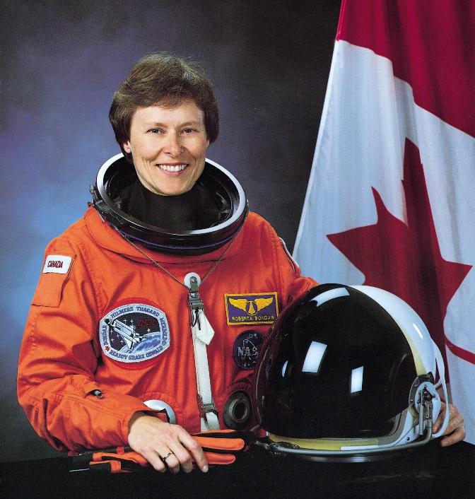 первая канадская женщина-космонавт Роберта Линн Бондар. Фото