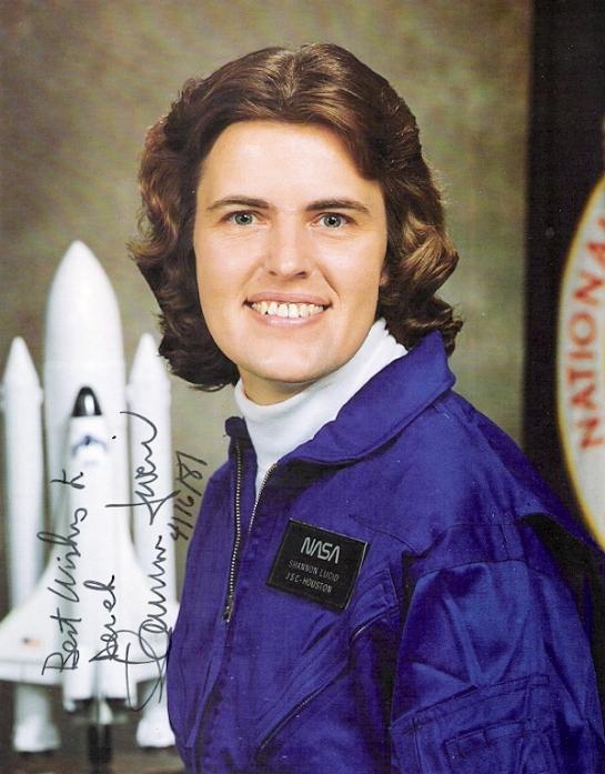американская женщина-космонавт (астронавт) Шеннон Лусид. Фото