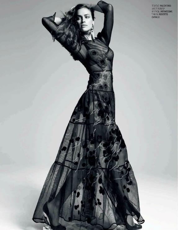 Ирина Шейк в красивом наряде. Фото / Irina Shayk. Photo