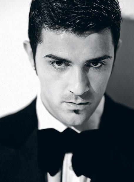 красивый испанец Давид Вилья. Фото / David Villa. Photo
