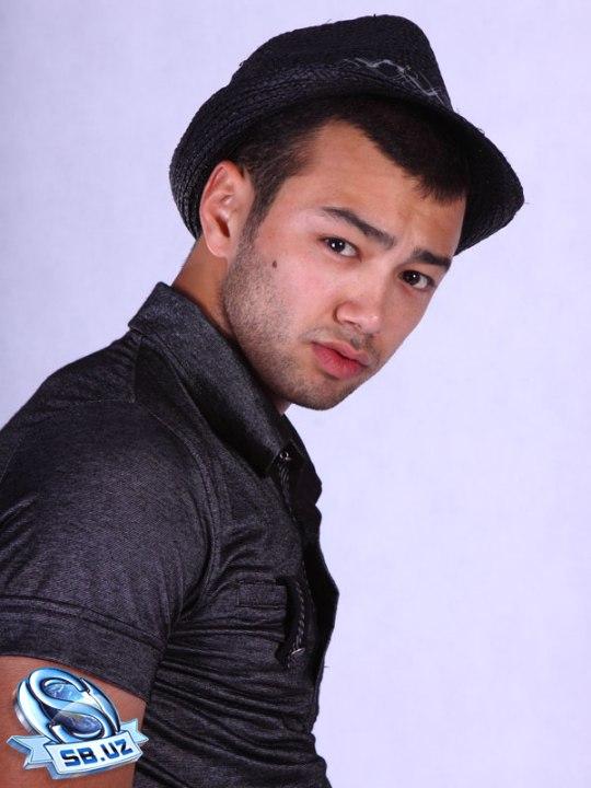 узбекский певец и актер Алишер Узоков. Фото