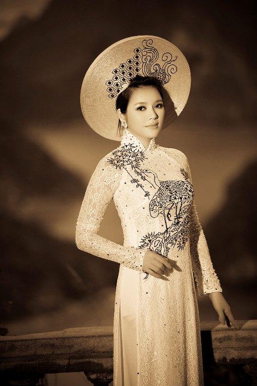 красивая вьетнамка в аозай Ly Nha Ky / Tran Thi Thanh Nhan. Фото