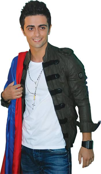 красивый армянин Эрик Карапетян. Фото