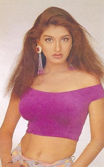 красивая индийская актриса Сонали Бендре. Фото