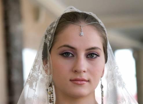 Асет Абубакарова, чеченская певица. Фото