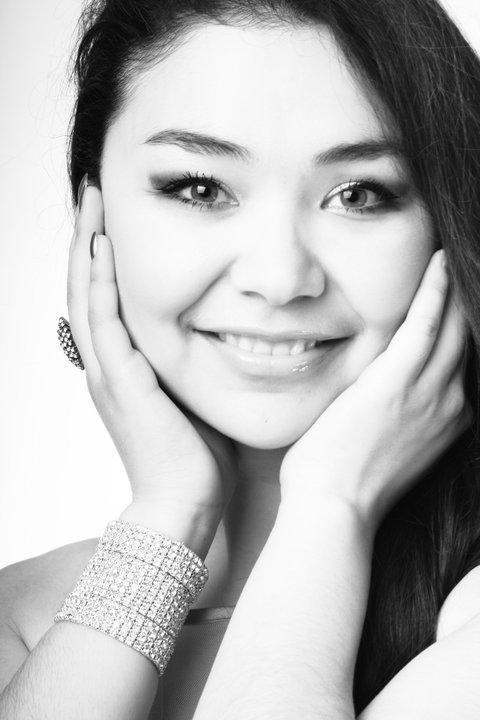 Тахмина Ниязова, таджикистанская певица. Фото