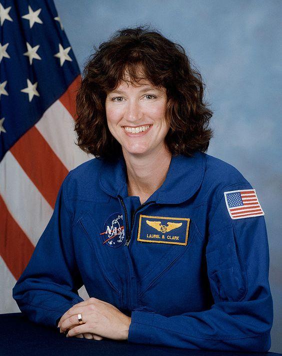 женщина-астронавт Лорел Кларк / Laurel Clark