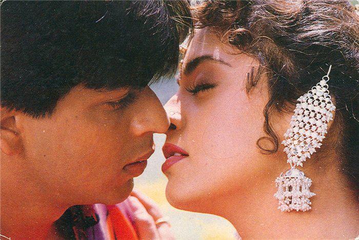 болливудский поцелуй: Джухи Чавла и Шахрукх Кхан