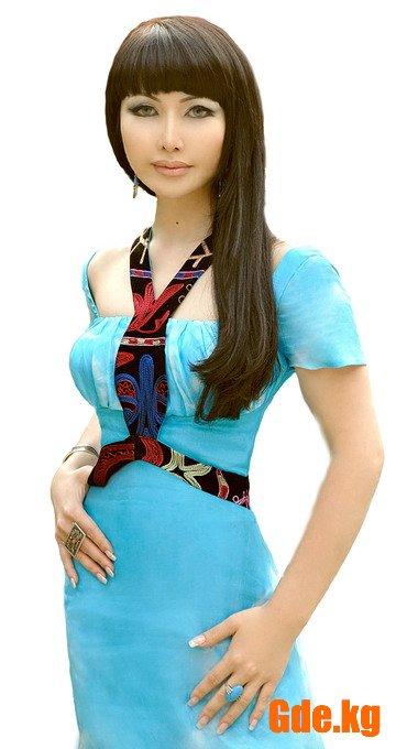 Ассоль Молдокматова - кыргызстанская телеведущая, модельер, актриса. фото