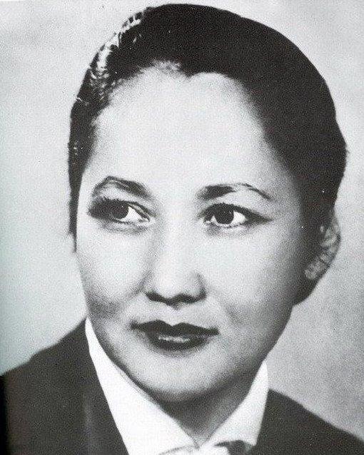 Бюбюсара Бейшеналиева - киргизская балерина. фото