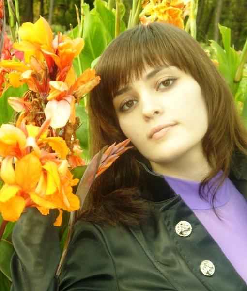 Назифе Реизова - крымскотатарская певица. фото