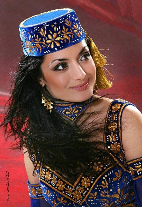 красивая крымская татарка Эльнара Кучук. фото