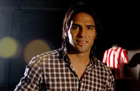 колумбийский футболист Радамель Фалькао. фото