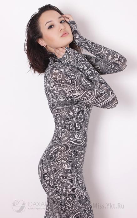 красивая якутянка Виолетта Дьячковская - телеведущая, вице-Мисс виртуальная Якутия 2010. фото
