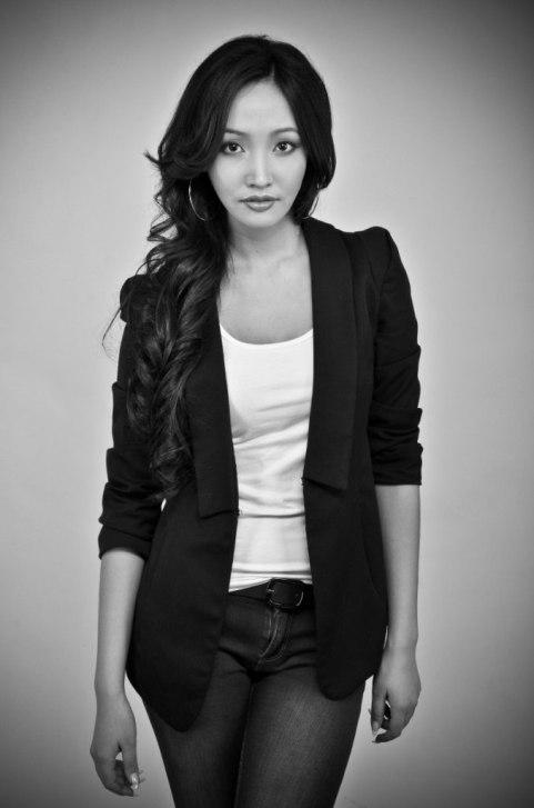 красивая якутка Кристина Иванова - финалистка конкурса Мисс виртуальная Якутия 2012. фото