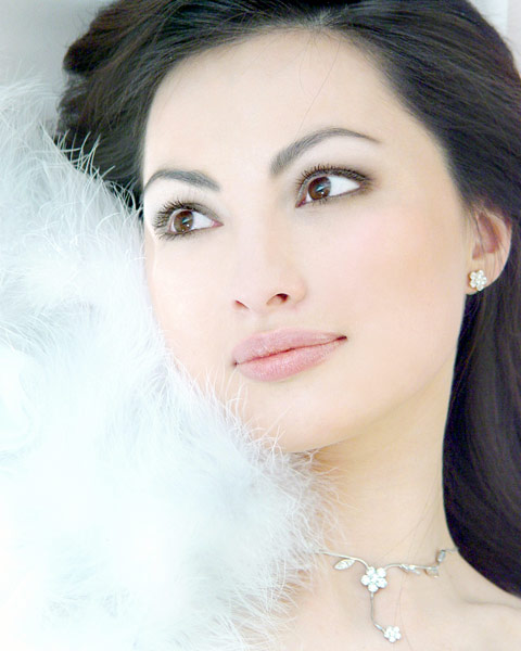 красивая якутянка Мария Троицкая - вице-Мисс виртуальная Якутия 2006. фото