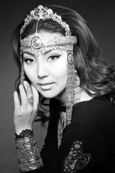 Наталья Яковлева (Далаана) - якутская певица. фото