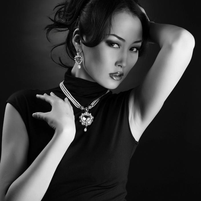 Сардаана Сыромятникова, якутка-модель, Мисс Якутия-2006. фото