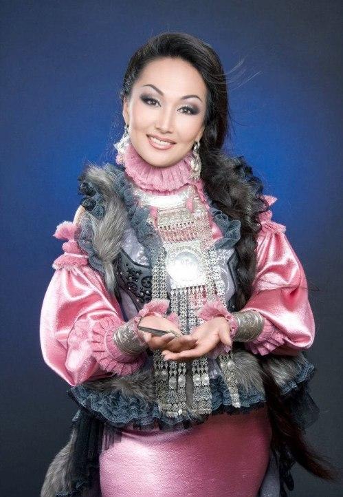Юлиана Кривошапкина (Юлияна) - якутская певица, мастер игры на хомусе. фото