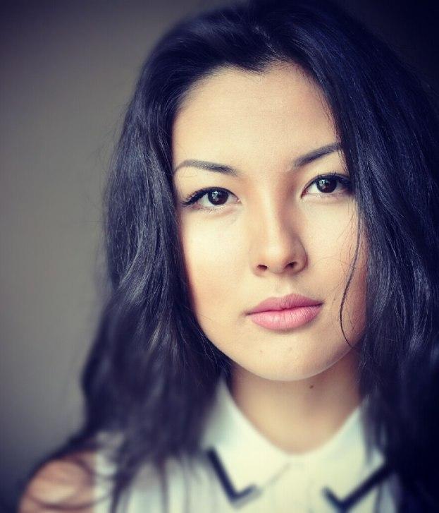 Айдана Меденова - певица из группы КешYou. фото