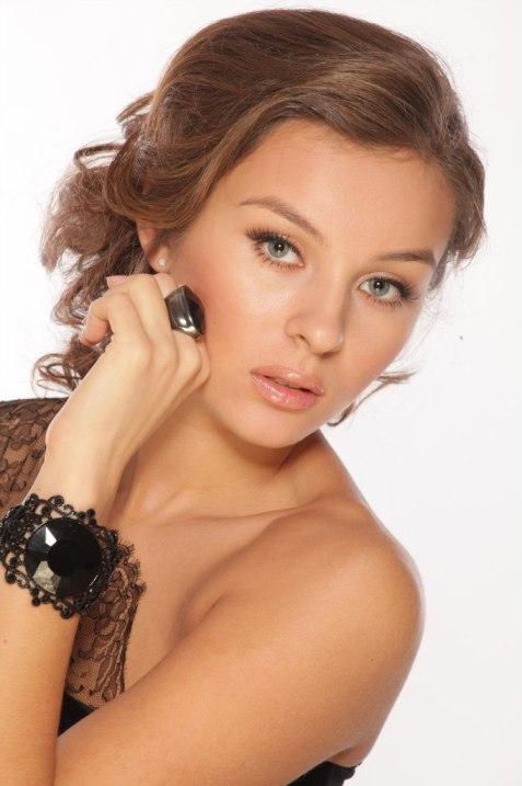Алия Шарафутдинова - татарская певица. фото