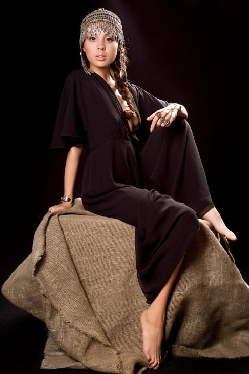 казашка Динара Султан - певица. фото