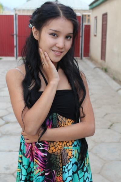 Киргизская девушка в порно