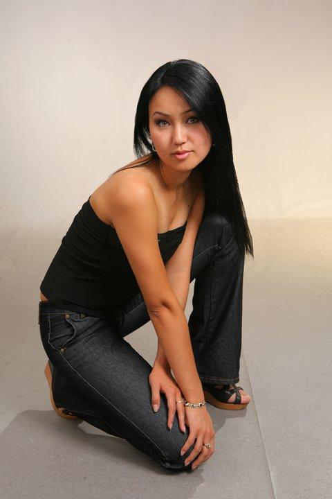 damochka-nauchit-foto-porno-i-erotika-s-kirgizkami-fisting