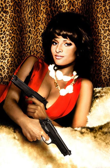 красивая афроамериканская актриса Пэм Гриер. фото