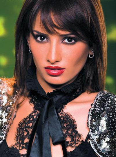 красивая современная египтянка Zeina. фото