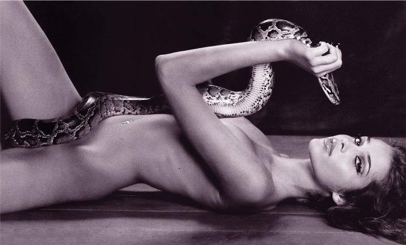 девушки со змеями: Ана Беатрис Баррос. фото