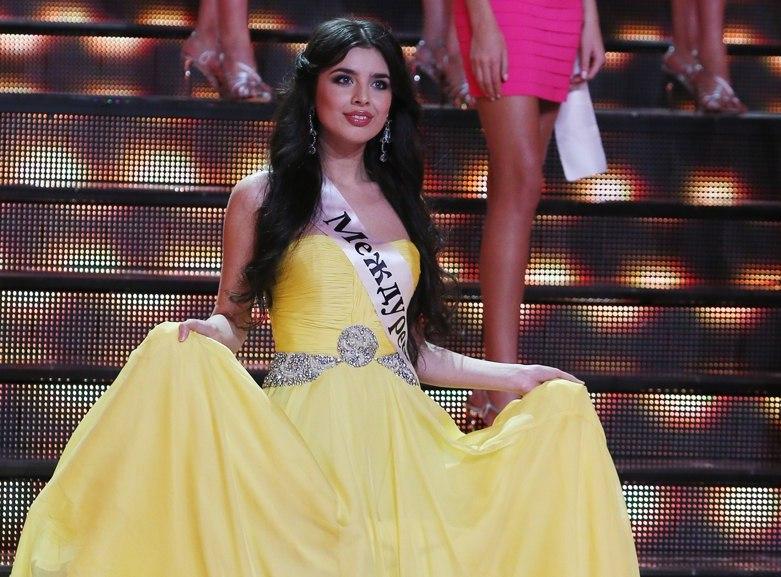 Эльмира Абдразакова на конкурсе Мисс Россия 2013. фото