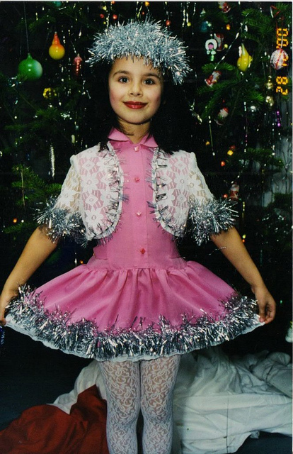 Эльмира Абдразакова в детстве. фото