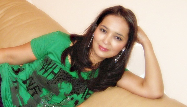 красивая казашка Гулжанат Таяуова. фото