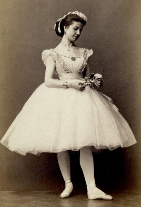 известная российская балерина Матильда Николаевна Мадаева. фото